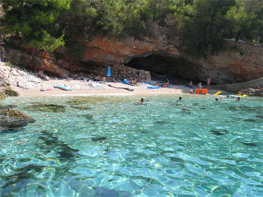 hvar-zavala1-beach
